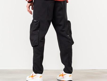 කළු-පාට-cargo-pants-එකකට-කැමති-නැද්ද-?